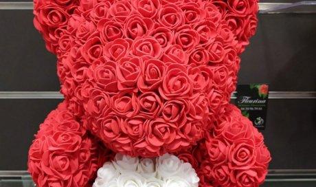 Ours en roses éternelles à Sallanches