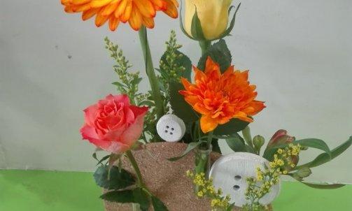 composition floral rond de liège