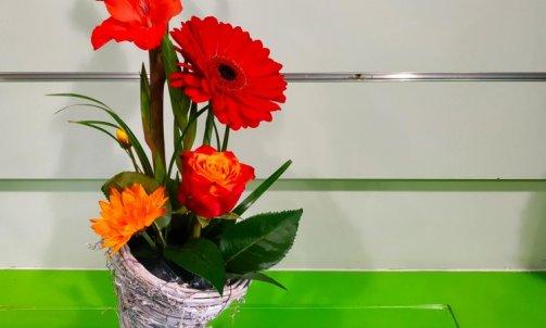 composition floral tourbillon de fleurs